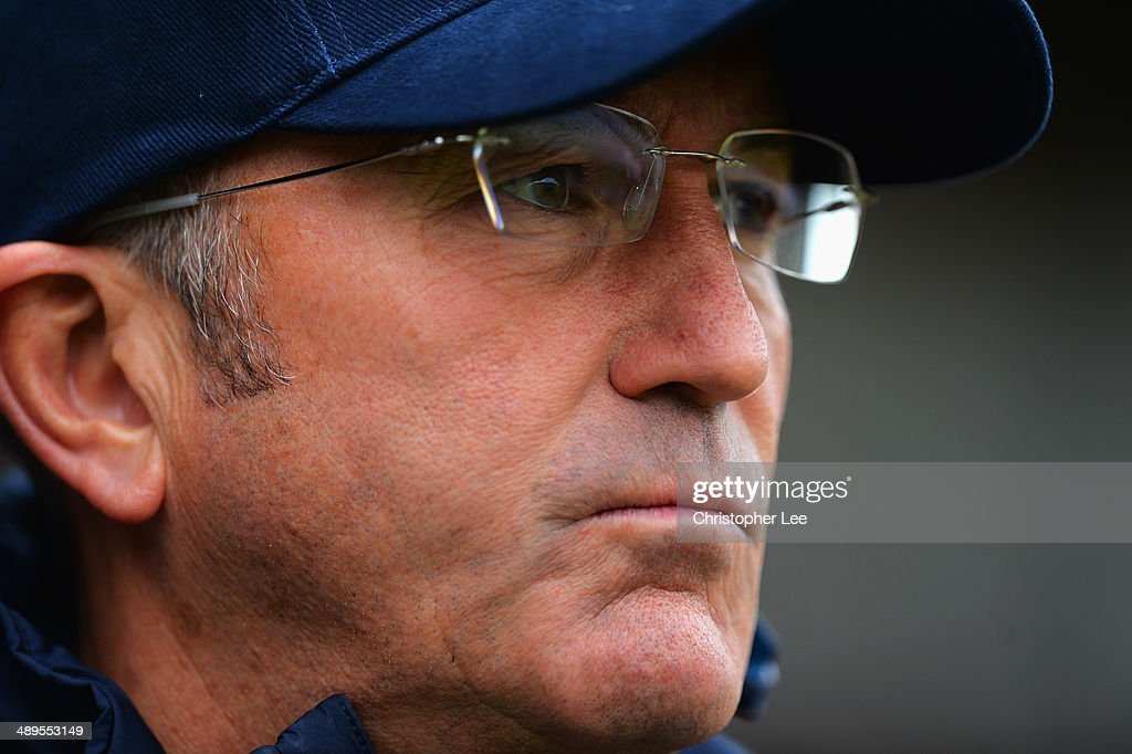 Manager Tony Pulis of Crystal Palace looks on during the Barclays Premier League match between Fulham and Crystal Palace at Craven Cottage on May 11, 2014 in London, England.