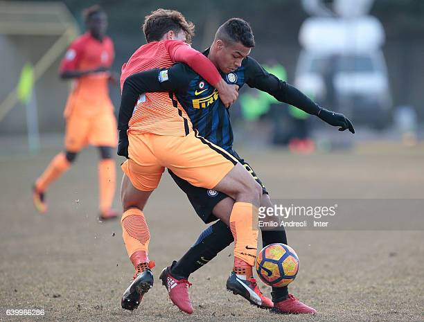 Manaour Mouhamed Belkheir of FC Internazionale Milano competes for the ball with Luca Pellegrini of As Roma during the Primavera Tim Cup juvenile...