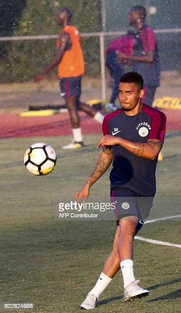Manchester City forward Gabriel Jesus participates in a training session at the StubHub Center on July 25 2017 in Carson California / AFP PHOTO /...