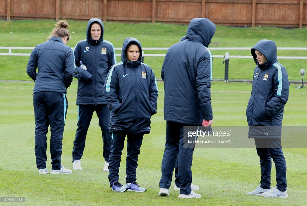 Manchester City Women take a look at the pitch before the WSL 1 match between Sunderland AFC Ladies and Manchester City Women at The Hetton Center on April 29, 2016 in Hetton, England.