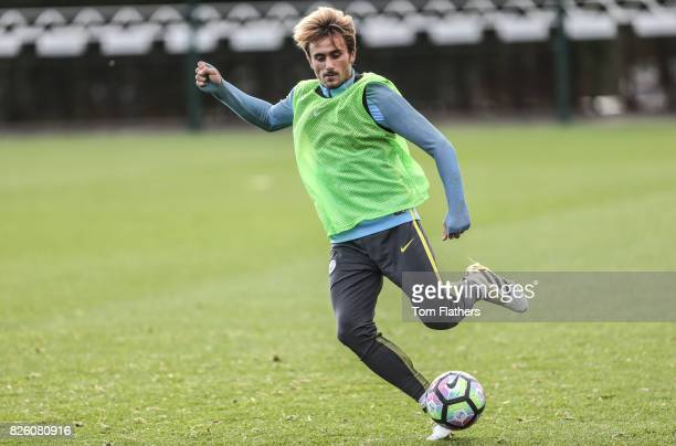 Manchester City's Aleix Garcia in training