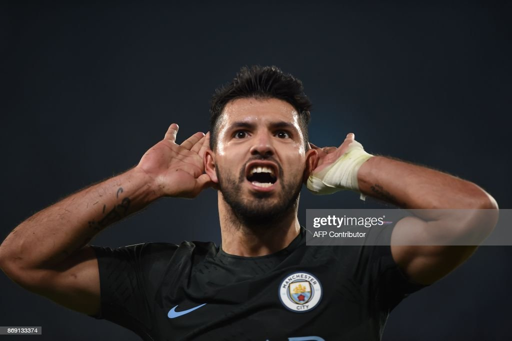 Manchester City's Argentinian striker Sergio Aguero celebrates after scoring during the UEFA Champions League football match Napoli vs Manchester City on November 1, 2017 at the San Paolo stadium in Naples. Manchester City won 2-4. Sergio Aguero broke the Manchester City goal-scoring record on Wednesday when he took his career total to 178 during the Champions League clash at Napoli. / AFP PHOTO / Filippo MONTEFORTE