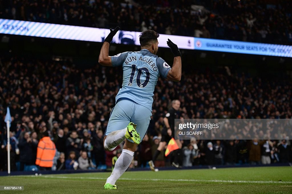 FBL-ENG-PR-MAN CITY-BURNLEY : News Photo