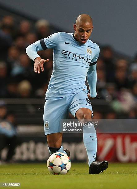 Manchester City's Brazilian midfielder Fernando controls the ball during the UEFA Champions League Round of 16 football match between Manchester City...