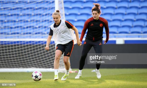 Manchester City's Georgia Stanway and Jennifer Beatie in training
