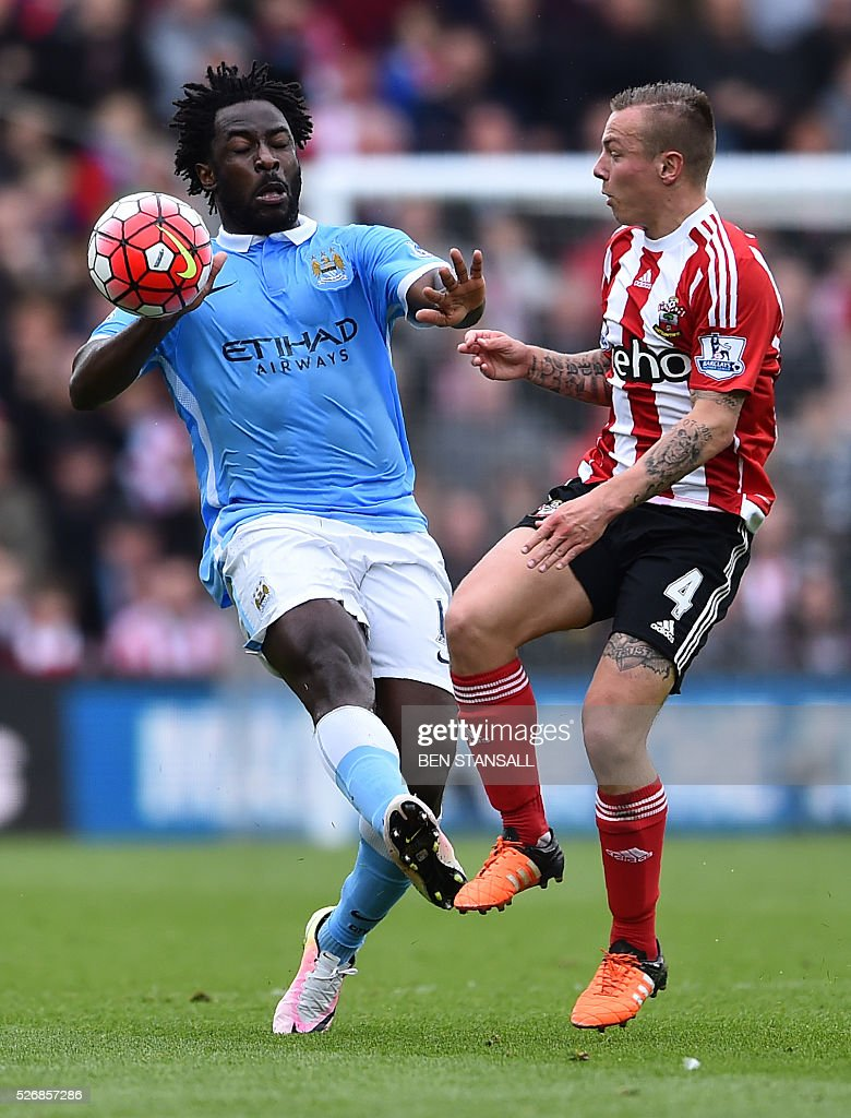 Manchester City's Ivorian striker Wilfried Bony (L) vies with Southampton's Dutch midfielder Jordy Clasie during the English Premier League football match between Southampton and Manchester City at St Mary's Stadium in Southampton, southern England on May 1, 2016. / AFP / BEN STANSALL / RESTRICTED TO EDITORIAL USE. No use with unauthorized audio, video, data, fixture lists, club/league logos or 'live' services. Online in-match use limited to 75 images, no video emulation. No use in betting, games or single club/league/player publications. /