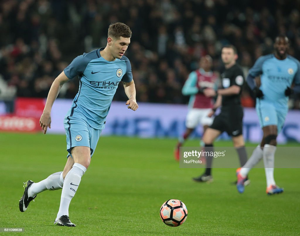West Ham United v Manchester City - The Emirates FA Cup Third Round : News Photo