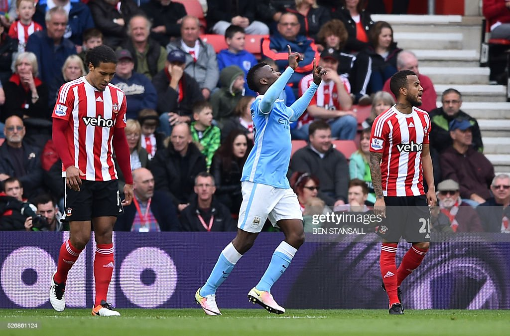 Manchester City's Nigerian striker Kelechi Iheanacho (C) celebrates after scoring during the English Premier League football match between Southampton and Manchester City at St Mary's Stadium in Southampton, southern England on May 1, 2016. / AFP / BEN STANSALL / RESTRICTED TO EDITORIAL USE. No use with unauthorized audio, video, data, fixture lists, club/league logos or 'live' services. Online in-match use limited to 75 images, no video emulation. No use in betting, games or single club/league/player publications. /