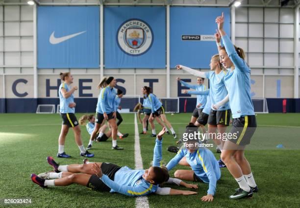 Manchester City's Nikita Parris and Kosovare Asllani in training
