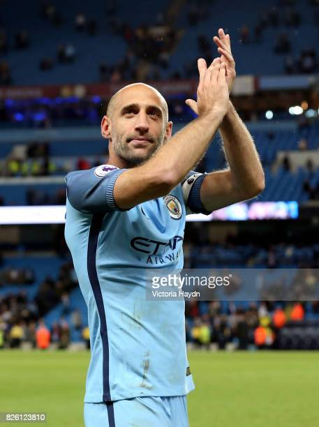 Manchester City's Pablo Zabaleta acknowledges the fans after the game