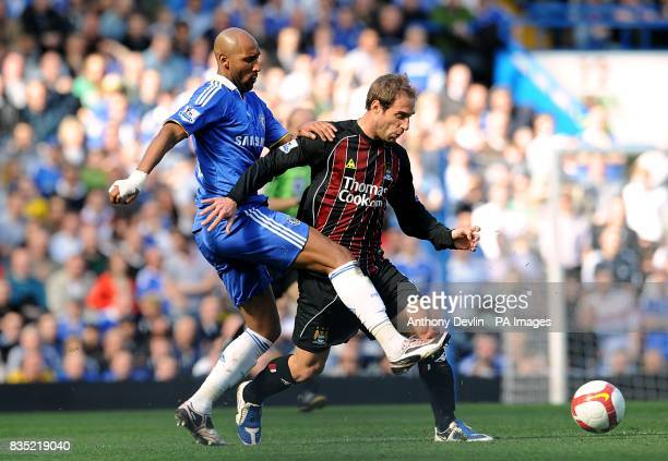 Manchester City's Pablo Zabaleta and Chelsea's Nicolas Anelka battle for the ball