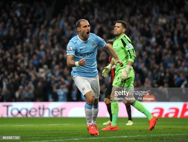 Manchester City's Pablo Zabaleta celebrates scoring his side's first goal of the game