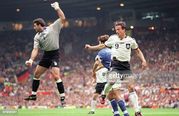 EURO 1996 Manchester Italien Deutschland 00 Angelo PERUZZI/ITA Fredi BOBIC/GER