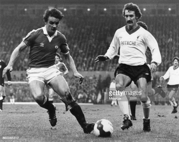 Manchester UNited 00 Liverpool Division One League match at Old Trafford Friday 26th December 1980 Terry McDermott in action
