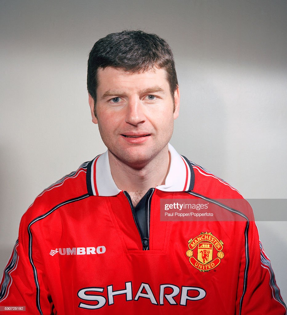 Manchester United footballer <a gi-track='captionPersonalityLinkClicked' href=/galleries/search?phrase=Denis+Irwin&family=editorial&specificpeople=221637 ng-click='$event.stopPropagation()'>Denis Irwin</a>, circa August 1998.