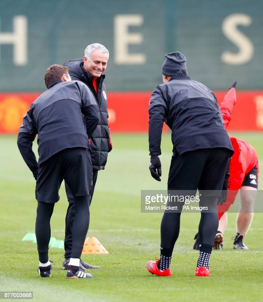 Manchester United manager Jose Mourinho speaks with Manchester United's Nemanja Matic and Manchester United's Zlatan Ibrahimovich during the training...
