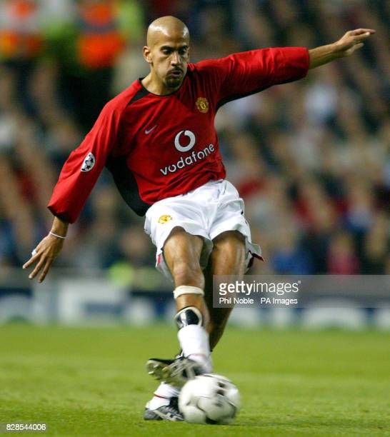 Manchester United midfielder Juan Sebastian Veron during the FA Barclaycard Premiership match at Old Trafford Manchester United beat Southhampton 21...