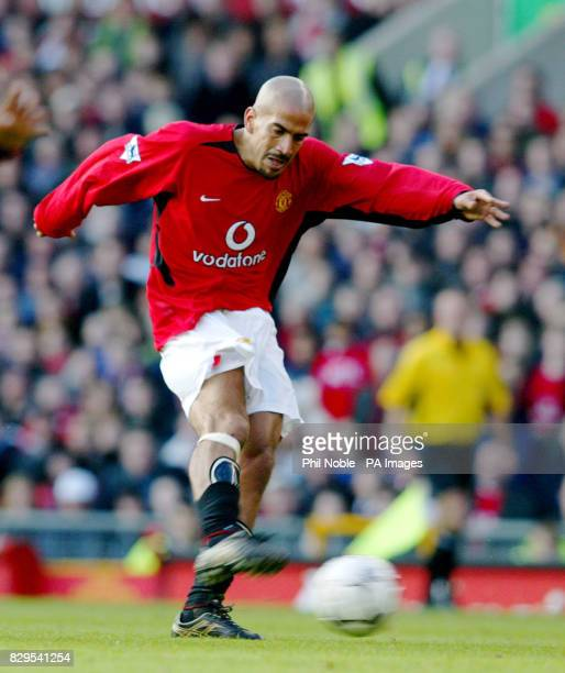 Manchester United midfielder Juan Sebastian Veron THIS PICTURE CAN ONLY BE USED WITHIN THE CONTEXT OF AN EDITORIAL FEATURE NO WEBSITE/INTERNET USE...