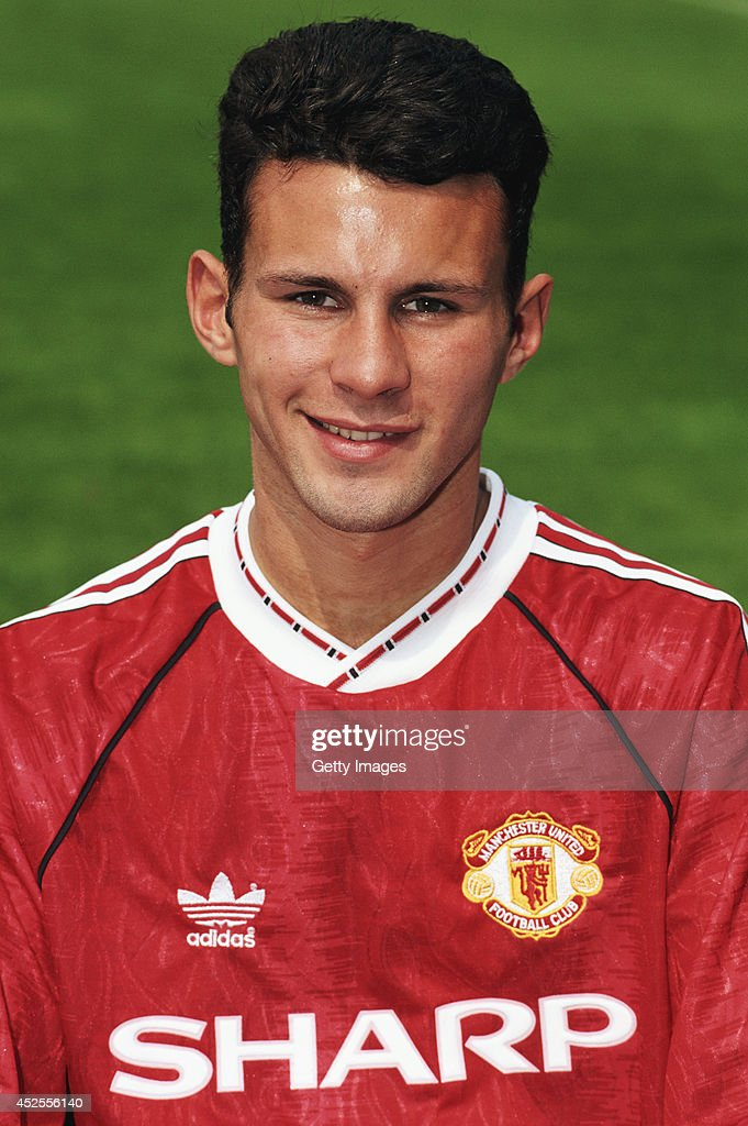 Manchester United player <a gi-track='captionPersonalityLinkClicked' href=/galleries/search?phrase=Ryan+Giggs&family=editorial&specificpeople=201666 ng-click='$event.stopPropagation()'>Ryan Giggs</a> pictured at a pre season photocall at Old Trafford on August 14, 1991 in Manchester, England.
