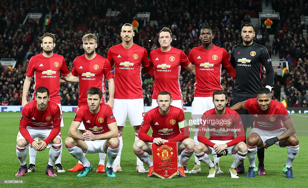 Hilo del Manchester United Manchester-united-team-group-daley-blind-luke-shaw-zlatan-ibrahimovic-picture-id625628648