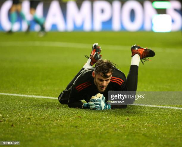 Manchester United's goalkeeper De Gea warming up moments before the Champions League football match between SL Benfica and Manchester United at Luz...