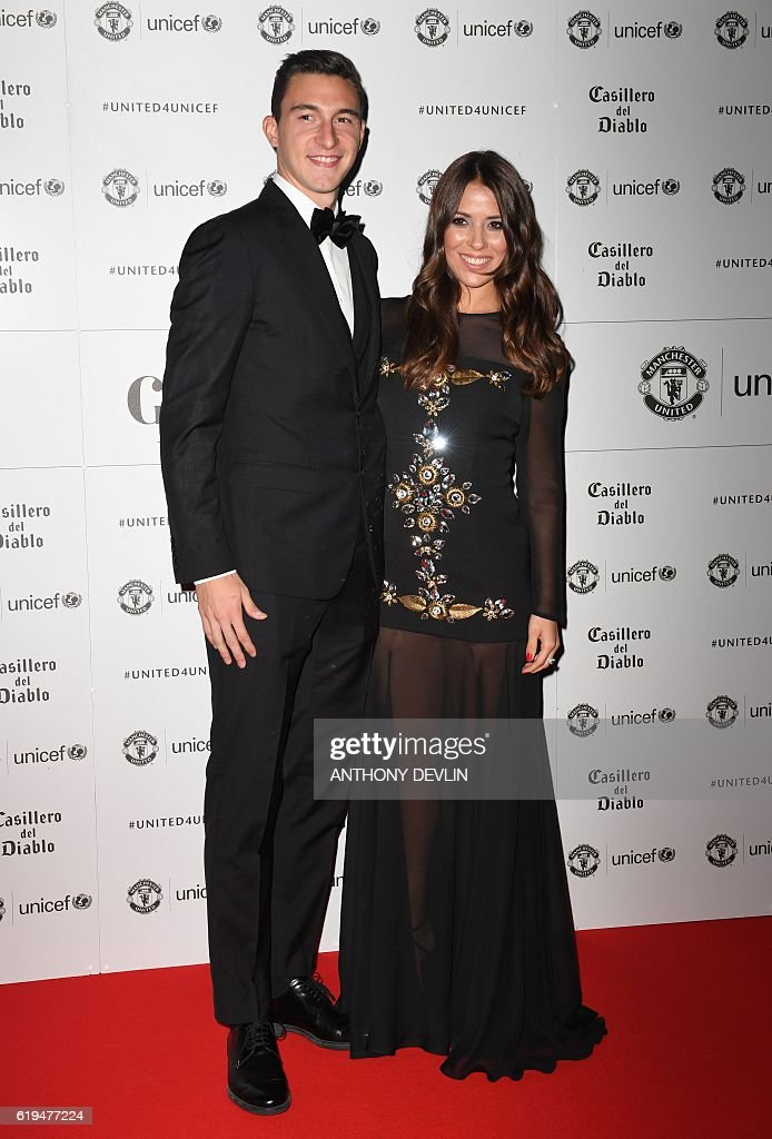 FBL-ENG-MAN UTD-CHARITY-UNICEF : News Photo