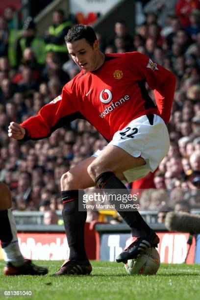 Manchester United's John O'Shea performs a Cruyff turn in front of the home fans