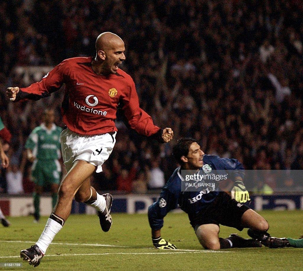 Manchester United s Juan Sebastian Veron scores ag
