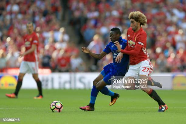 Manchester United's Marouane Fellaini makes an error that leads to Jamie Vardy's equalizing goal