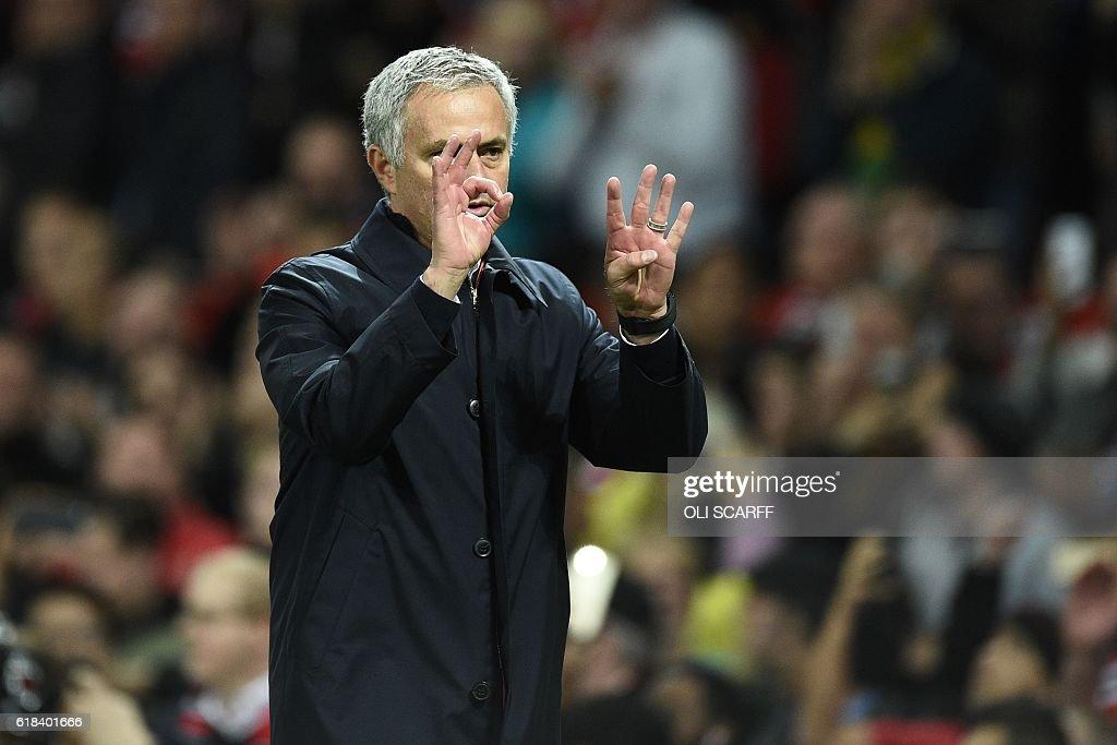 FBL-ENG-LCUP-MAN UTD-MAN CITY : News Photo