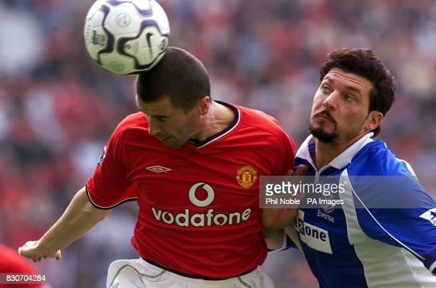 Manchester United's Roy Keane challenges Alessandra Pistone of Everton during the FA Barclaycard Premiership game between Manchester United and...