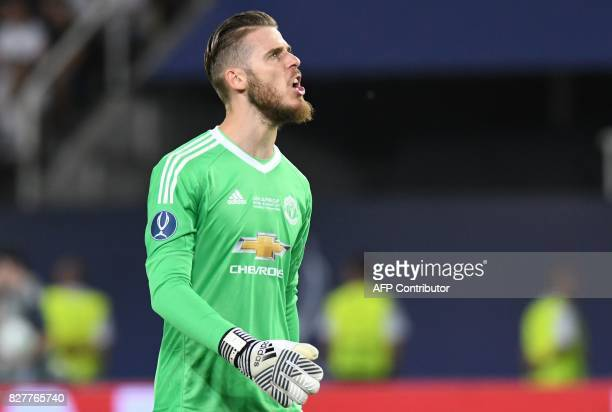 Manchester United's Spanish goalkeeper David de Gea talks during the UEFA Super Cup football match between Real Madrid and Manchester United on...