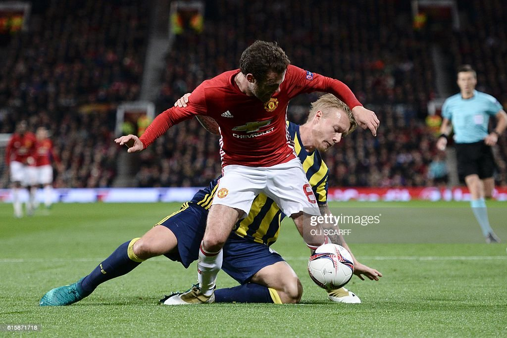 FBL-EUR-C3-MAN UTD-FENERBAHCE : News Photo