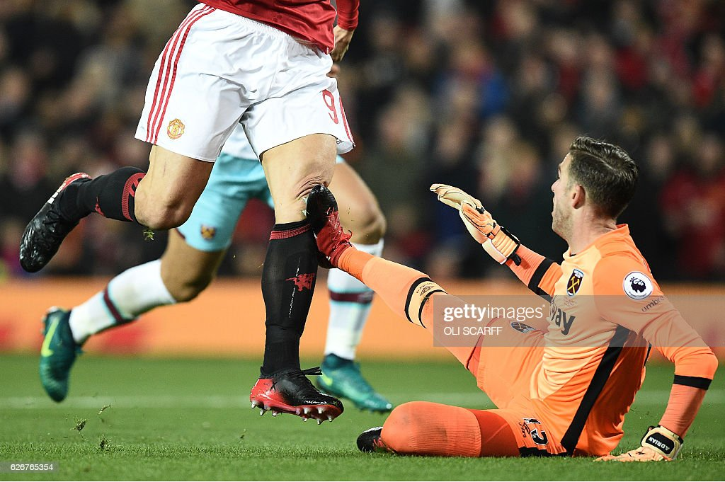 FBL-ENG-LCUP-MAN UTD-WEST HAM : News Photo