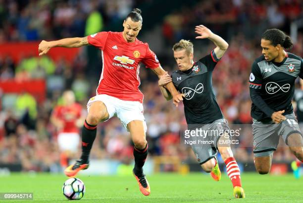 Manchester United's Zlatan Ibrahimovic and Southampton's Steven Davis battle for the ball