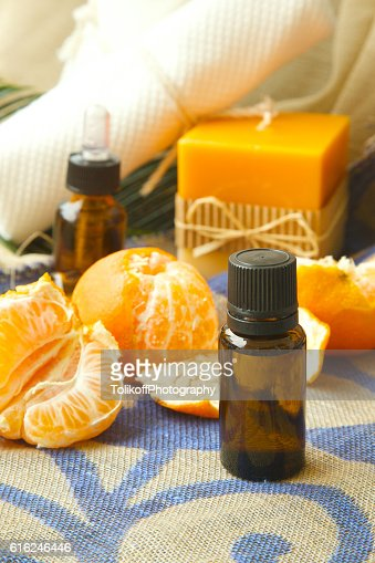 Mandarin essential oil : Foto de stock