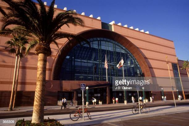 OF ANAHEIM HOME OF THE MIGHTY DUCKS IN ANAHEIM CALIFORNIA CAPACITY OF THE ARENA IS 74174 Mandatory Credit JD Cuban/ALLSPORT