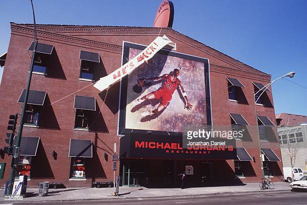 S RESTAURANT OWNED BY CHICAGO BULLS GUARD MICHAEL JORDAN IN CHICAGO ILLINOIS Mandatory Credit Jonathan Daniel/ALLSPORT