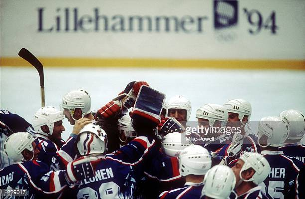 VS'' AUSTRIA THE FRENCH TEAM CELEBRATE A GOAL AGAINST AUSTRIA AT THE1994 LILLEHAMMER WINTER OLYMPICS Mandatory Credit Mike Powell/ALLSPORT