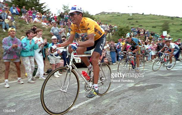 L''ALPE D''HUEZ WITH LUC LE BLANC OF FRANCE BEHIND DURING THE 1994 TOUR DE FRANCE Mandatory Credit Pascal Rondeau/ALLSPORT