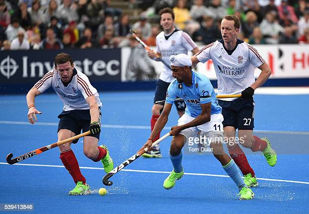 Mandeep Singh of India in action during day two of the FIH Men's Hero Hockey Champions Trophy 2016 match between India and Great Britain at Queen...