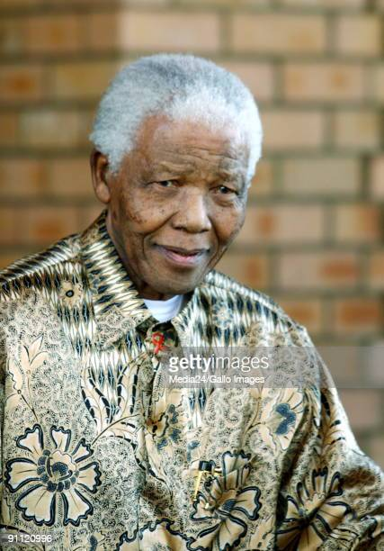 Mandela Foundation Houghton Johannesburg Former South African president Nelson Mandela and his wife Graca Machel welcome outgoing British Prime...