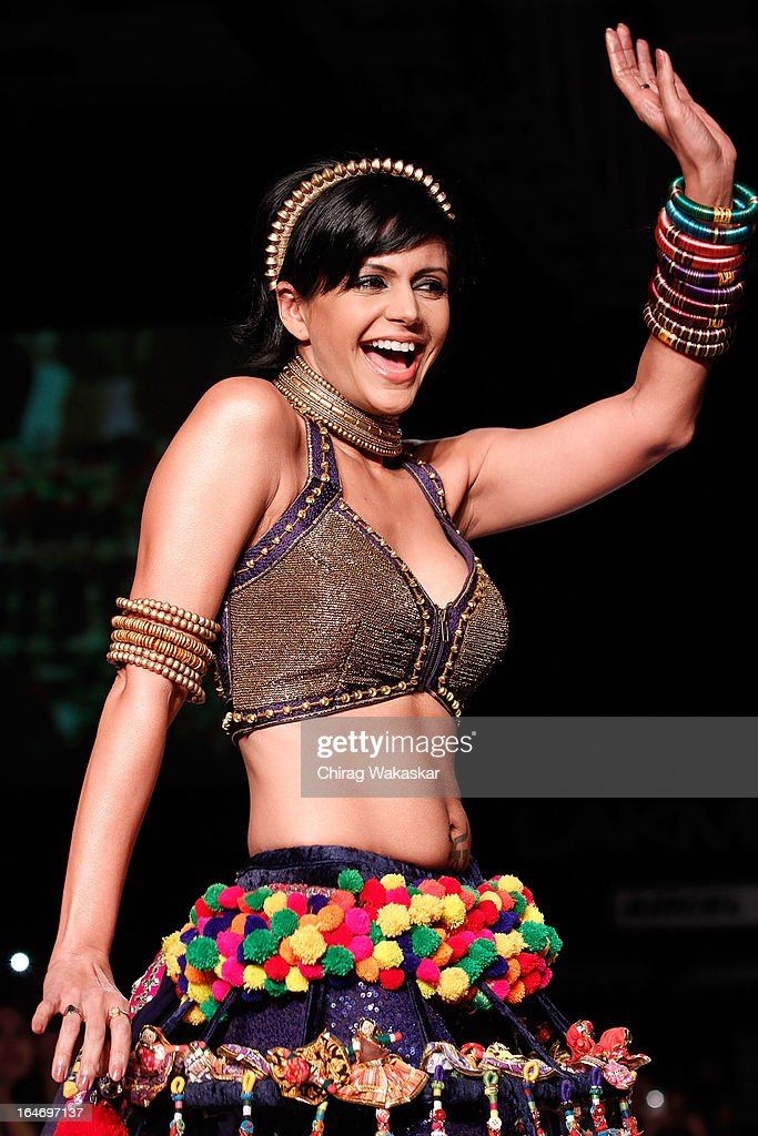 Mandira Bedi showcases designs by Pallavi Jaipur on the runway during day five of Lakme Fashion Week Summer/Resort 2013 on March 26, 2013 at Grand Hyatt in Mumbai, India.