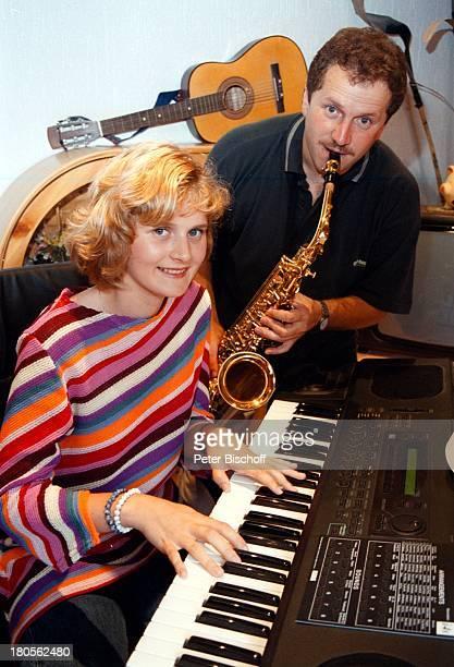 Mandy Bach Vater Roberto GrießbachHomestory Chemnitz Klavier spielenSaxophon Saxofon MusikerMusikinstrumente