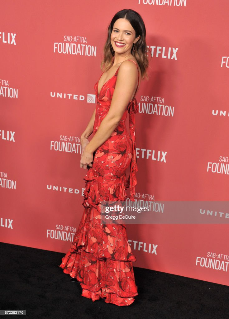 Mandy Moore arrives at the SAG-AFTRA Foundation Patron of the Artists Awards 2017 on November 9, 2017 in Beverly Hills, California.