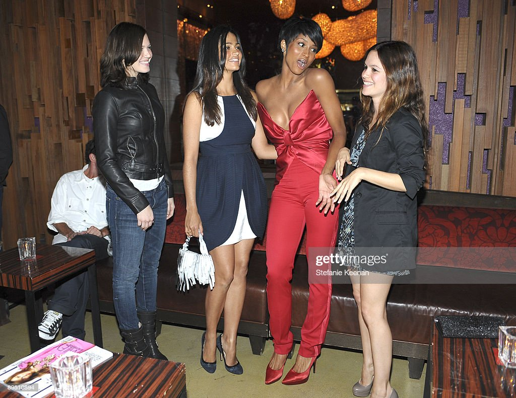 Mandy Moore, Camila Alves, Ciara and Rachel Bilson attend The Hit the Road TXT L8TR Campaign Event at Nobu on July 29, 2009 in Los Angeles, California.