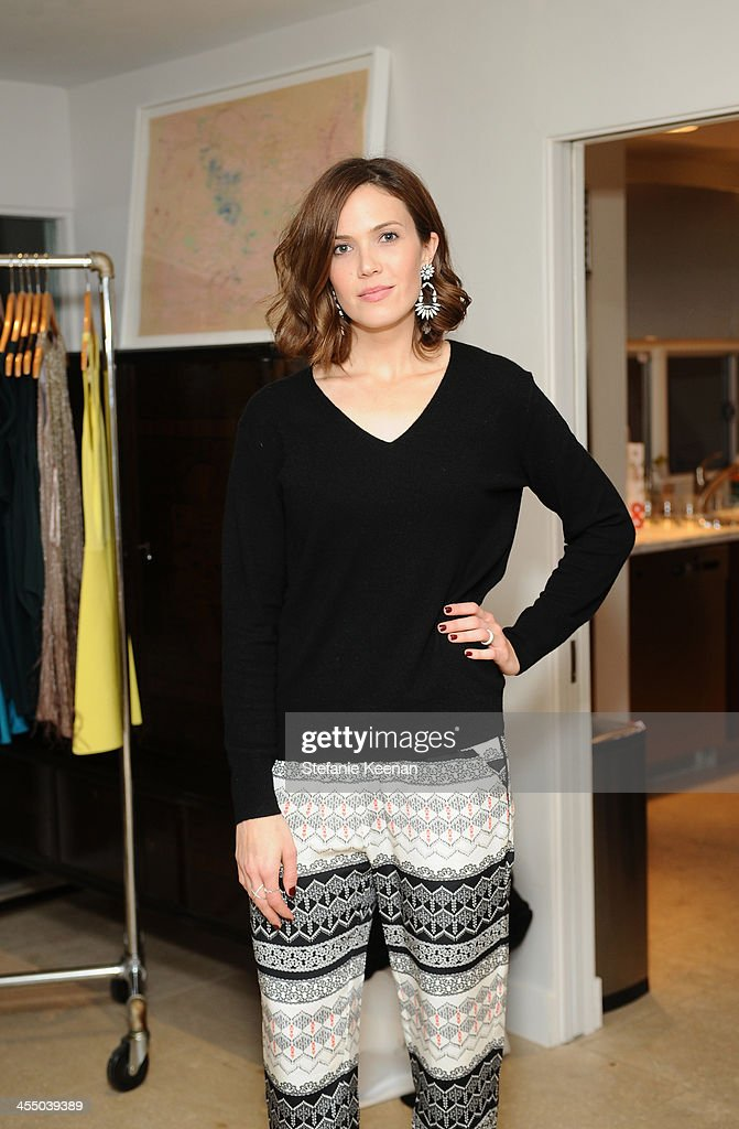 Mandy Moore, wearing Everlane and Parker, attends A Parker Party on December 10, 2013 in Los Angeles, California.
