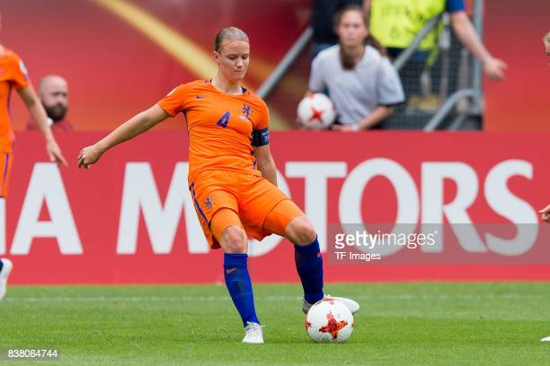 Mandy van den Berg of the Netherlands controls the ball n during their Group A match between Netherlands and Norway during the UEFA Women's Euro 2017...