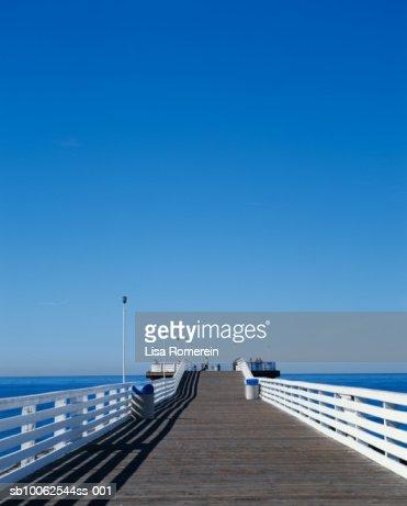 Manhattan Beach Pier, California, USA.
