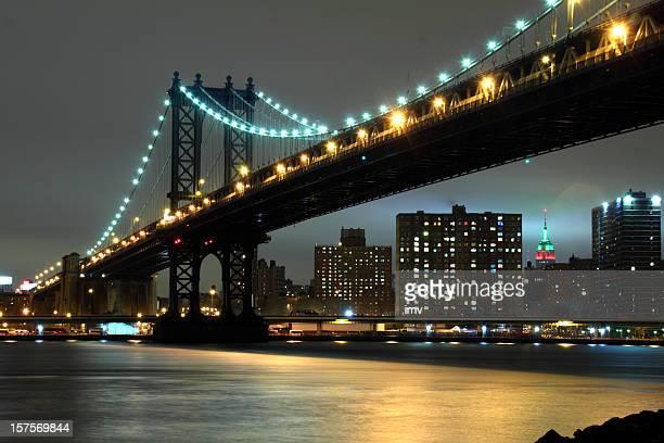Manhattan Bridge in Christmas